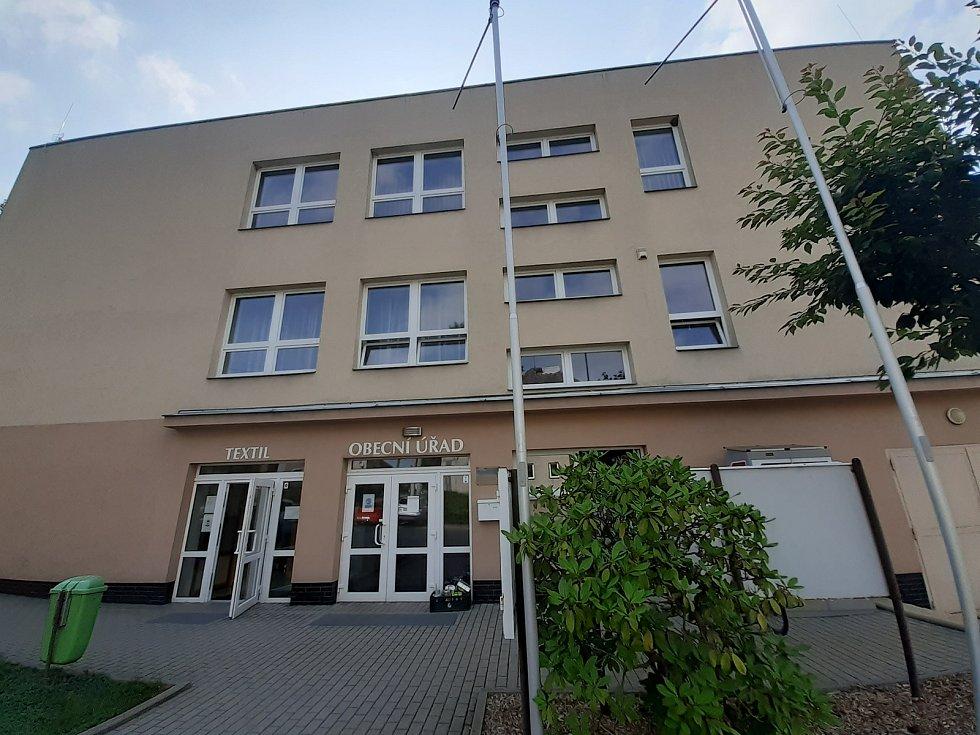 Obecní úřad v Melči.