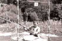 Na historické fotografi i je Ladislav Krecioch při závodech v Hradci nad Moravicí v roce 1968.