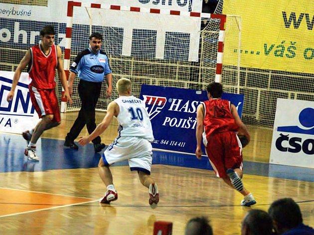 Opavští basketbalisté nečekaně vyhráli druhé finále v Kolíně.