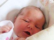 Ella Černá se narodila 19. září, vážila 3,85 kilogramů a měřila 50 centimetrů. Rodiče Sabina a Lukáš z Opavy jí přejí, aby byla v životě zdravá a spokojená. Na sestřičku už doma čeká brácha Filípek.
