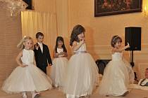Nemáte vybrané šaty pro družičky? Třeba si vyberete právě na svatebním veletrhu.