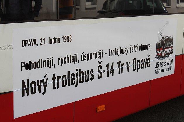 TROLEJBUSY typu Škoda 14Tr jezdí po Opavě dlouhých 35let.
