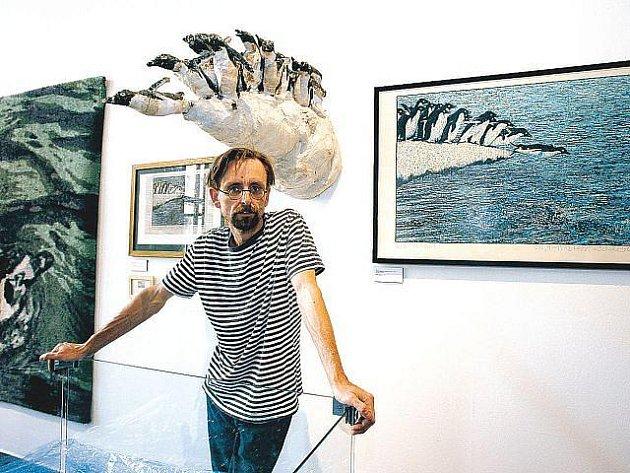 Výtvarník Michal Cihlář představí své zvířecí kresby, které můžete znát jako image pražské zoo.