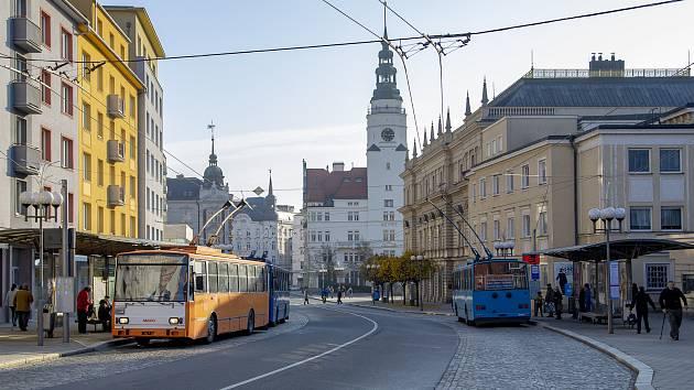 V Opavě se uskutečnilo rozloučení s trolejbusy Škoda Tr14 spojené s přehlídkou vozového parku vozidel Městského dopravního podniku Opava, a.s. a historických vozidel MHD.