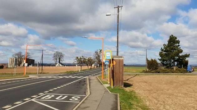Na bezpečnost chodců dohlíží oranžový přechod. Ilustrační foto