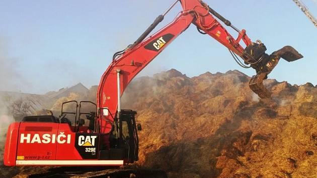 Pásové rypadlo CAT 329E bylo pořízeno z Integrovaných operačních programů.