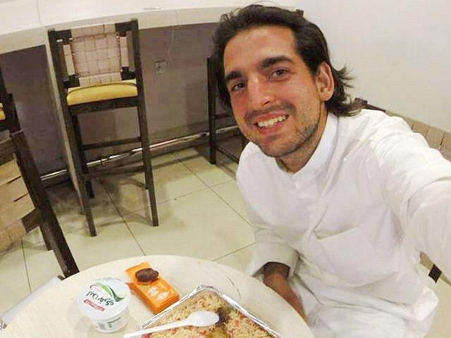 Pavel Klega byl na letišti v Jordánsku pohoštěn večeří zdarma.