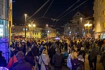 Rozsvícení vánočního stromu na Dolním náměstí v Opavě, pondělí 25. listopadu 2019.