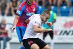Plzeň - Zápas fotbalové FORTUNA:LIGY mezi FC Viktoria Plzeň a SFC Opava 25. srpna 2019. Karol Mondek (SFC Opava).