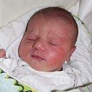 """Sofie Čechová se narodila 28. března, vážila 3,70 kilogramu a měřila 50 centimetrů. """"Je to naše první miminko. Přejeme mu do života hlavně zdraví,"""" řekli rodiče Marie Zapalačová a Marek Čech z Opavy."""