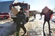 Cílem dlouhé cesty členů Záchranného útvaru Hasičského záchranného sboru ČR v Hlučíně se stal sklad Červeného kříže v Kyjevě.