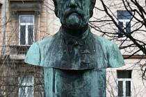 Busta Bedřicha Smetany se na své místo vrátí do konce října.