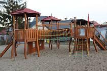 Venkovní dětské hřiště v Opavě se uzavřou.