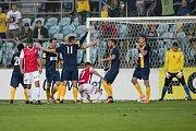 Opava - Zápas 7. kola Fortuna národní ligy (FNL)  mezi SFC Opava a FK Pardubice. Hráči SFC Opava, gól, radost
