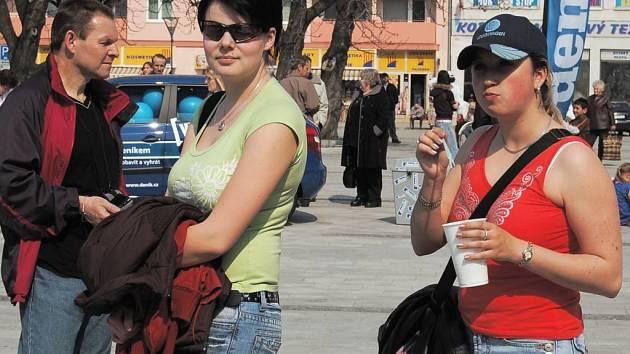 Den s Deníkem v Hlučíně. Počátkem dubna se akce Den s Deníkem konala v Hlučíně. Přišly se na ni podívat stovky lidí z celého Hlučínska.