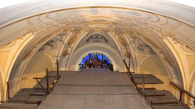 Návštěvníci kostela svatého Stanislava v Bolaticích mohou obdivovat nově zrekonstruované fresky.