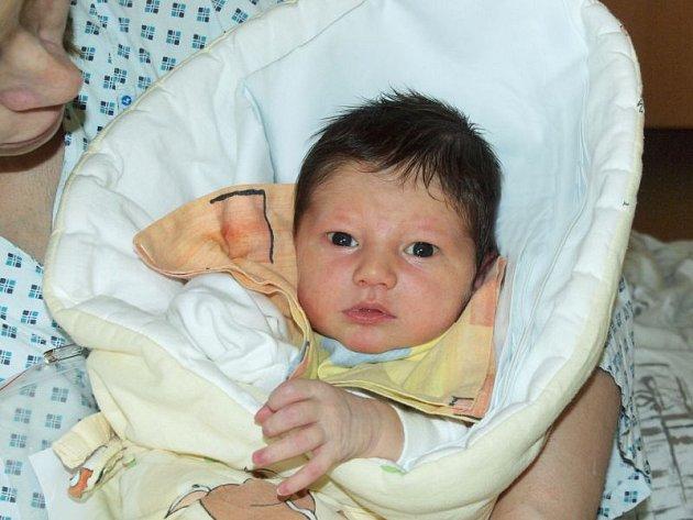 Michal Nováček se narodil 24. března, vážil 3,40 kg a měřil 49 cm.