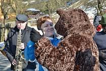 Vodění medvěda má v Kajlovci, který je městskou částí nedalekého Hradce nad Moravicí, obrovskou tradici.