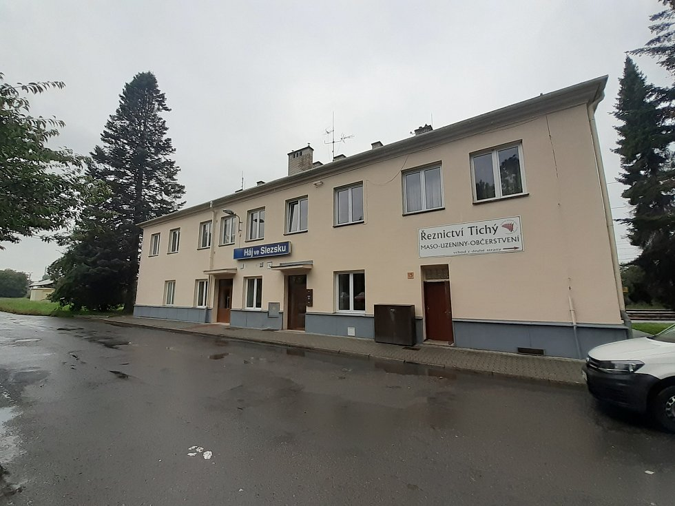 Nádraží v Háji ve Slezsku.