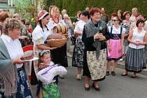 O zábavu nebylo na sobotním strassenfestu nouze.