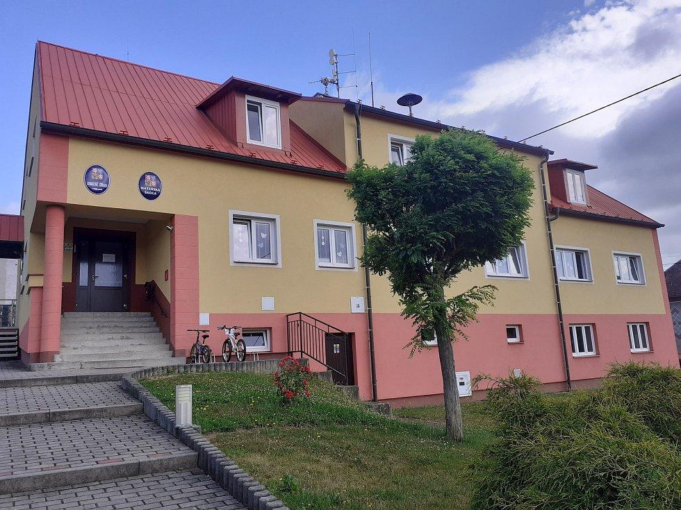 Obecní úřad v Bělé.