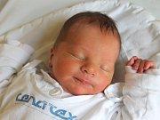Václav Kříbek se narodil 24. října, vážil 3,50 kilogramů a měřil 52 centimetrů. Rodiče Markéta a Jaroslav ze Štítiny svému prvorozenému synovi přejí, aby byl v životě především zdravý a šťastný.