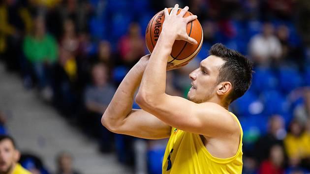 Zápas 3. kola basketbalové Kooperativa NBL mezi BK Opava a Sluneta Ústí nad Labem 6. října 2018. Jan Švandrlík (BK Opava).