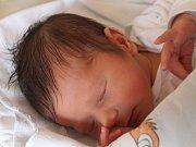 Adam Sedláček se narodil 10. července, vážil 3,41 kilogramů a měřil 52 centimetrů. Rodiče Hanka a Petr z Malých Hoštic mu přejí, aby byl zdravý a šťastný. Na Adámka už doma čeká sestřička Sofie.