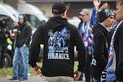 Policisté v Opavě dohlíželi na dav fanoušků Baníku, který měl více než tisíc lidí.