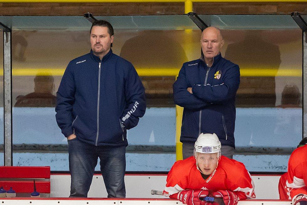 Aleš Tomášek na lavičce Opavy. Foto: Petr Widenka