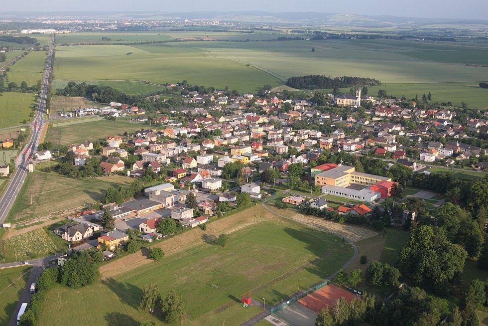 Letecký pohled na obec.
