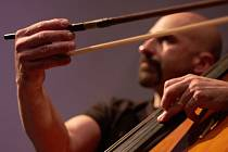 George Cremaschi je na poli experimentální hudby uznávanou personou.
