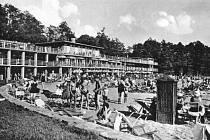 Podoba opavského koupaliště vtřicátých letech minulého století.