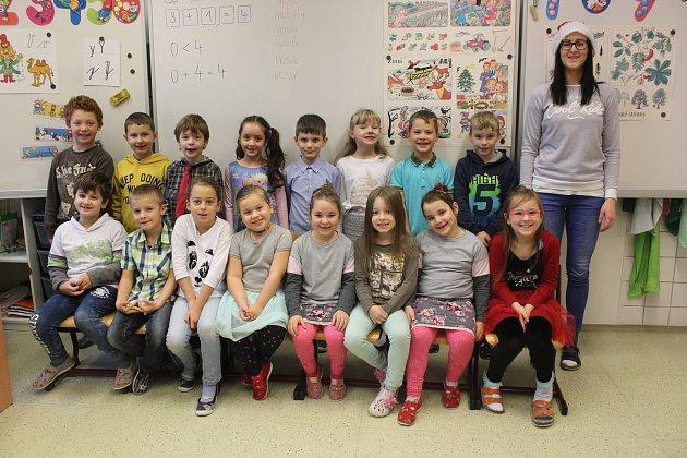 Na fotografii jsou žáci ze ZŠ generála Heliodora Píky a MŠ Štítina, třída I.A