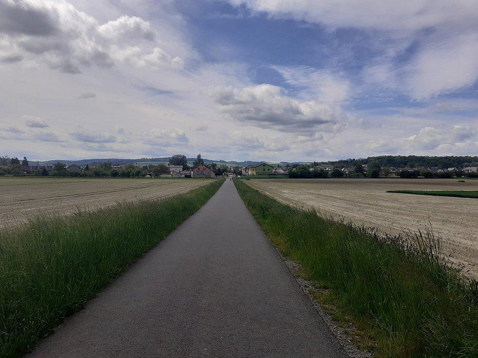 Cyklostezka směrem na Opavu.