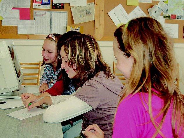 Základní školy na Opavsku. Někteří tamní vyučující si zvyšují potřebnou kvalifikaci.