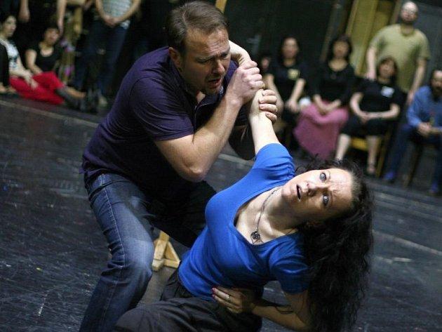 Juraj Nociar a Ilona Tichá na zkoušce jako ústřední dvojice José a Carmen.