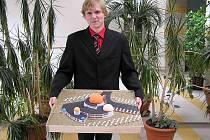 Budoucí architekt Jan Mihalco s vítězným modelem Planetárium.