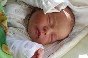 """Emma Komárková se narodila 1. května, vážila 3,07 kilogramu a měřila 48 centimetrů. """"Je to naše první miminko. Přejeme mu do života hodně zdraví, štěstí, spokojenosti a lásky,"""" řekli rodiče Kristýna a Jiří Komárkovi z Vávrovic."""
