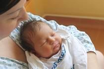 Linda Latoňová se narodila 6. června, vážila 3,32 kg a měřila 48 cm. Rodiče Veronika a Martin z Opavy svému prvnímu potomkovi do života přejí hlavně zdraví, štěstí a lásku.