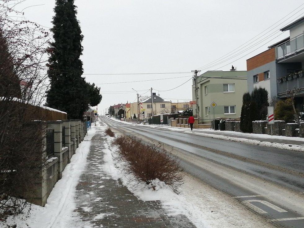 Silnice směrem na Chlebičov.