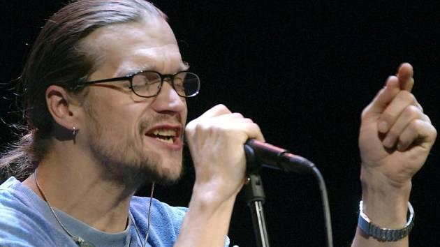 Letošní festival Happiness nabídne také setkání s populárním zpěvákem Danem Bártou.