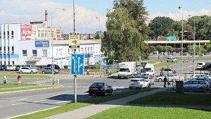 Křižovatka ulic Nákladní, Oblouková a Rybářská