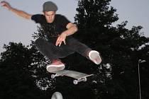 Marcel Schuster patří k předním opavským skateboardistům.