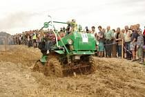 Na traktoriádu ve Větřkovicích každoročně přijíždějí lidé z celé České republiky.