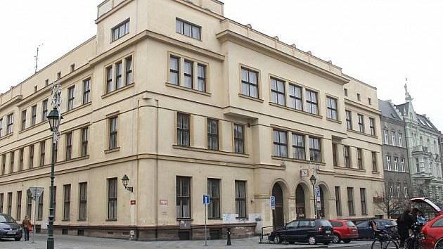Pošta přestala v budově na Masarykově třídě v Opavě fungovat v roce 2014. Ilustrační foto.