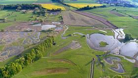 Louky mají rozlohu pětašedesáti hektarů.