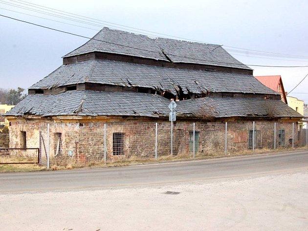 Další znejohroženějších památek na Opavsku je tzv. vošárna vRaduni.