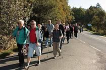 Stejně jako v minulém roce, i letos počasí výletníkům na procházce podzimní krajinou přálo.