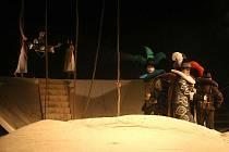 Představení Bouře bylo první večerní představení letošního devátého ročníku Festivalu divadel Moravy a Slezska. Začal v úterý a vyvrcholí v sobotu.